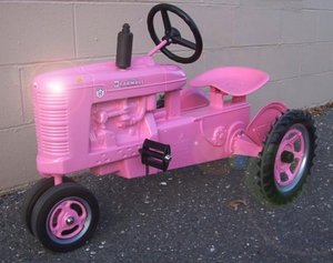 Pink_pedal_tractor_1
